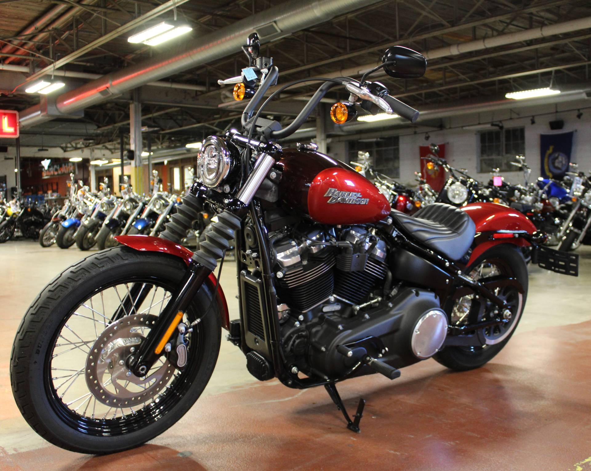 2018 Harley-Davidson Street Bob® 107 in New London, Connecticut - Photo 4
