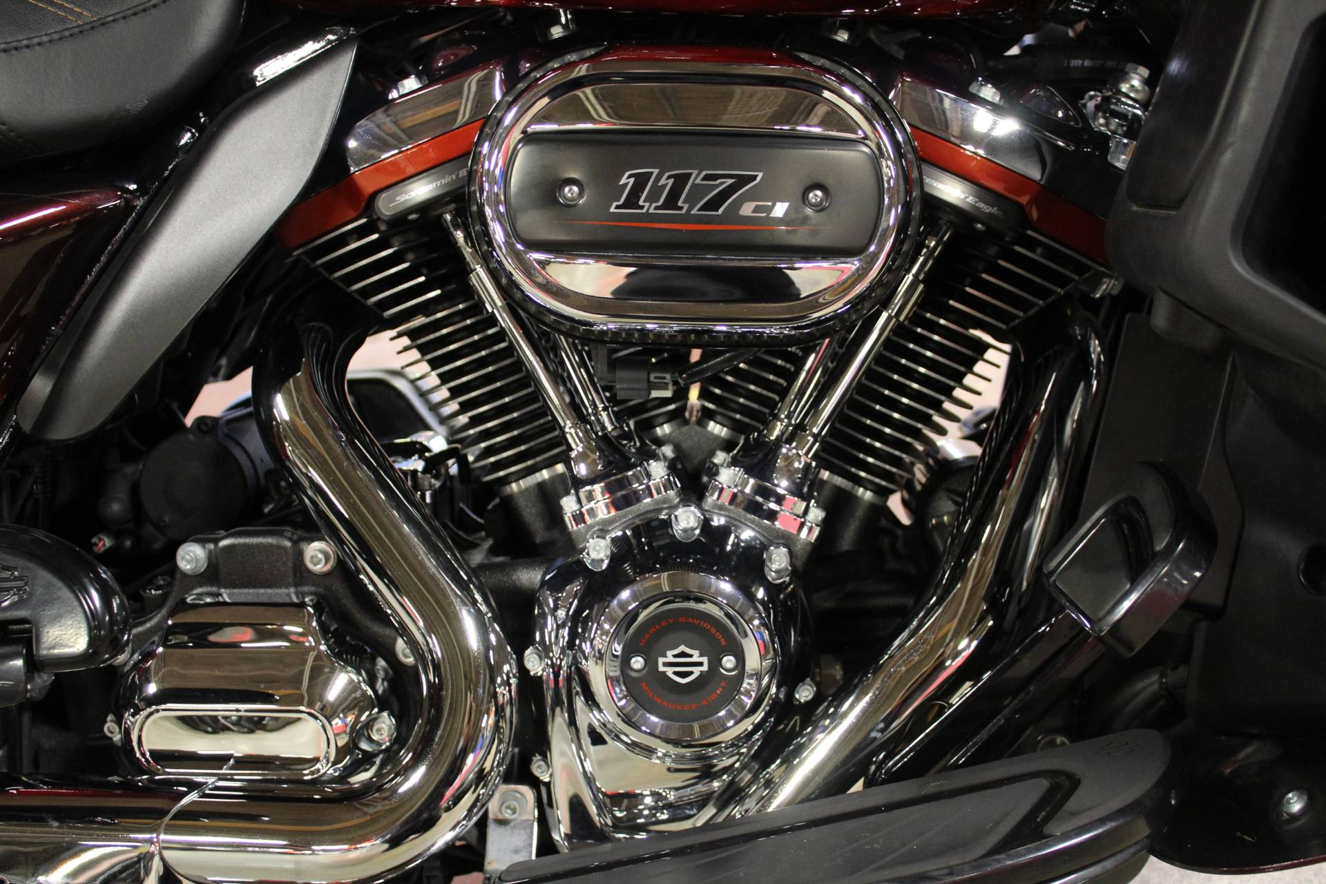2018 Harley-Davidson CVO™ Limited in New London, Connecticut - Photo 15