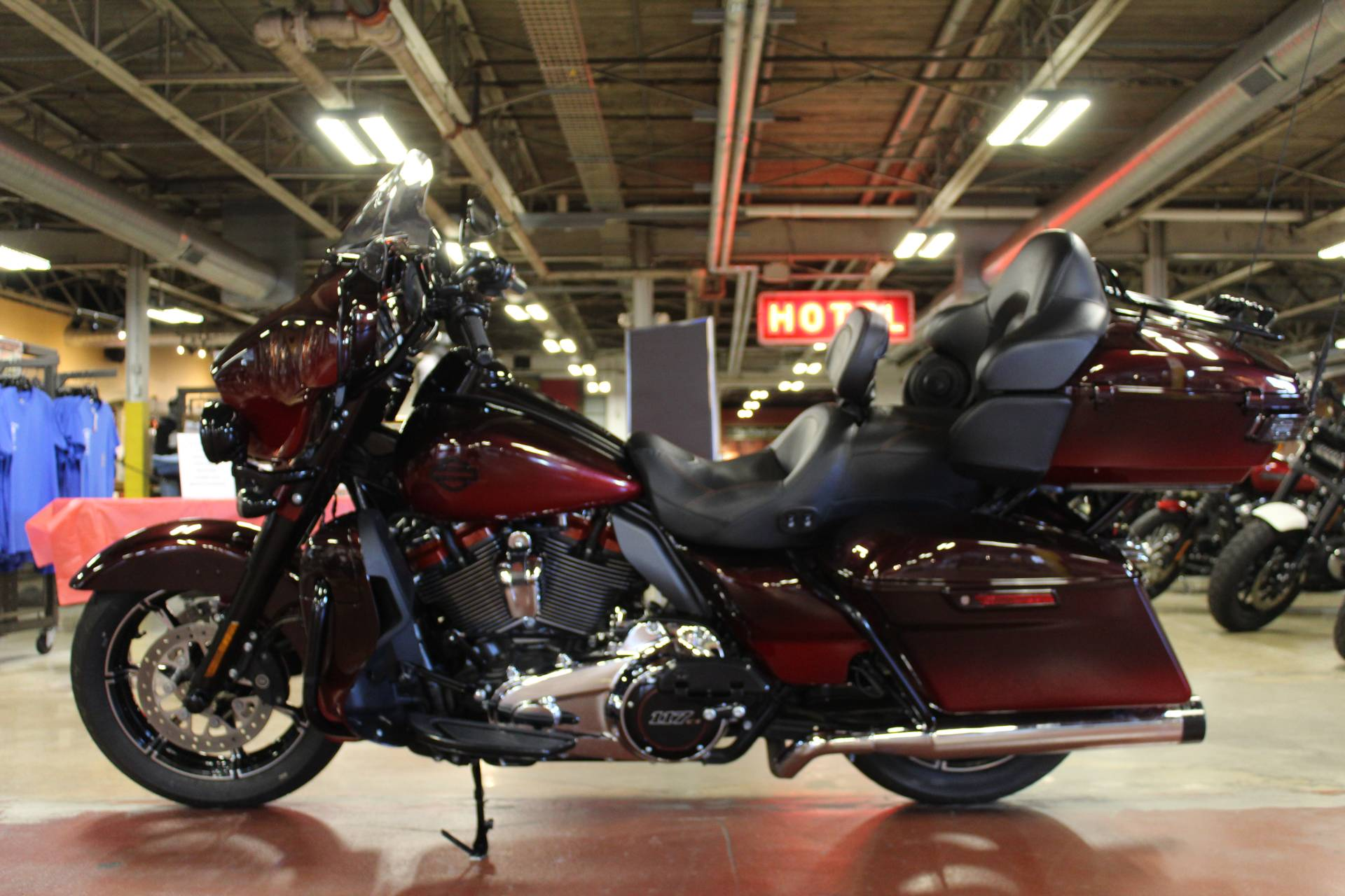 2018 Harley-Davidson CVO™ Limited in New London, Connecticut - Photo 5