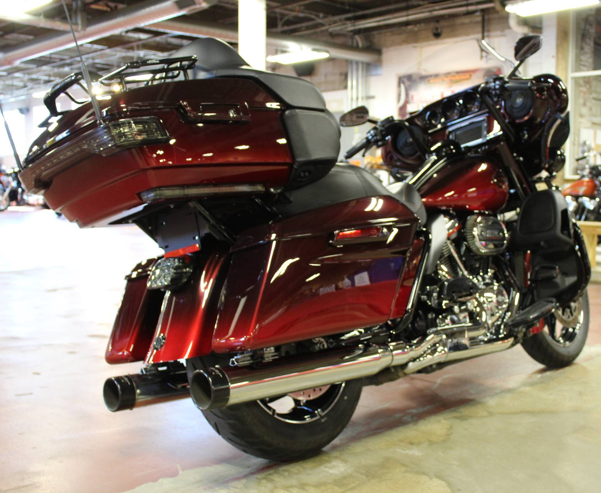 2018 Harley-Davidson CVO™ Limited in New London, Connecticut - Photo 8
