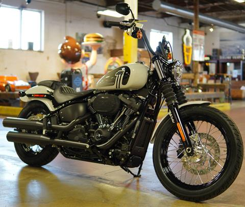 2021 Harley-Davidson Street Bob® 114 in New London, Connecticut - Photo 2