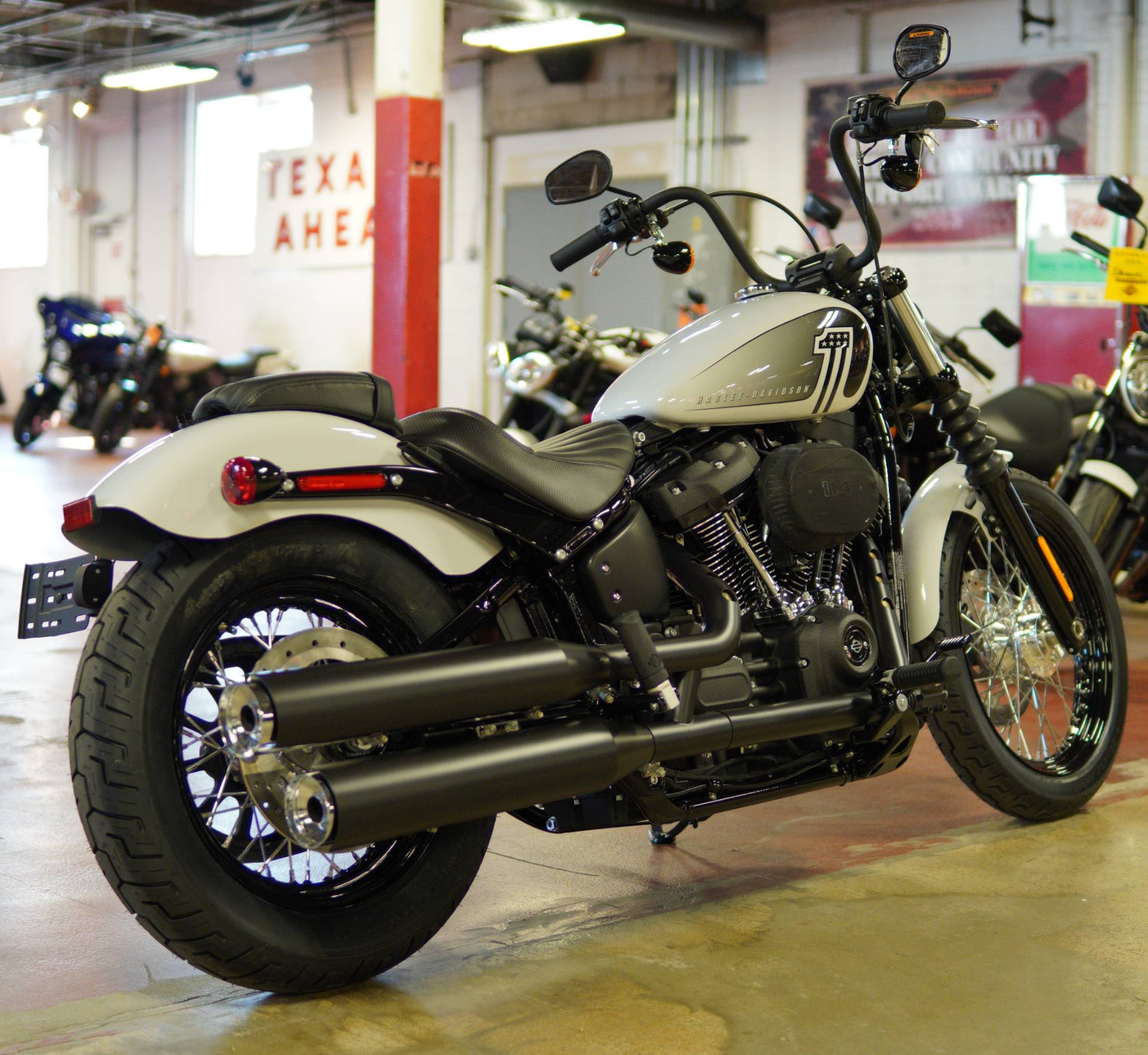 2021 Harley-Davidson Street Bob® 114 in New London, Connecticut - Photo 8