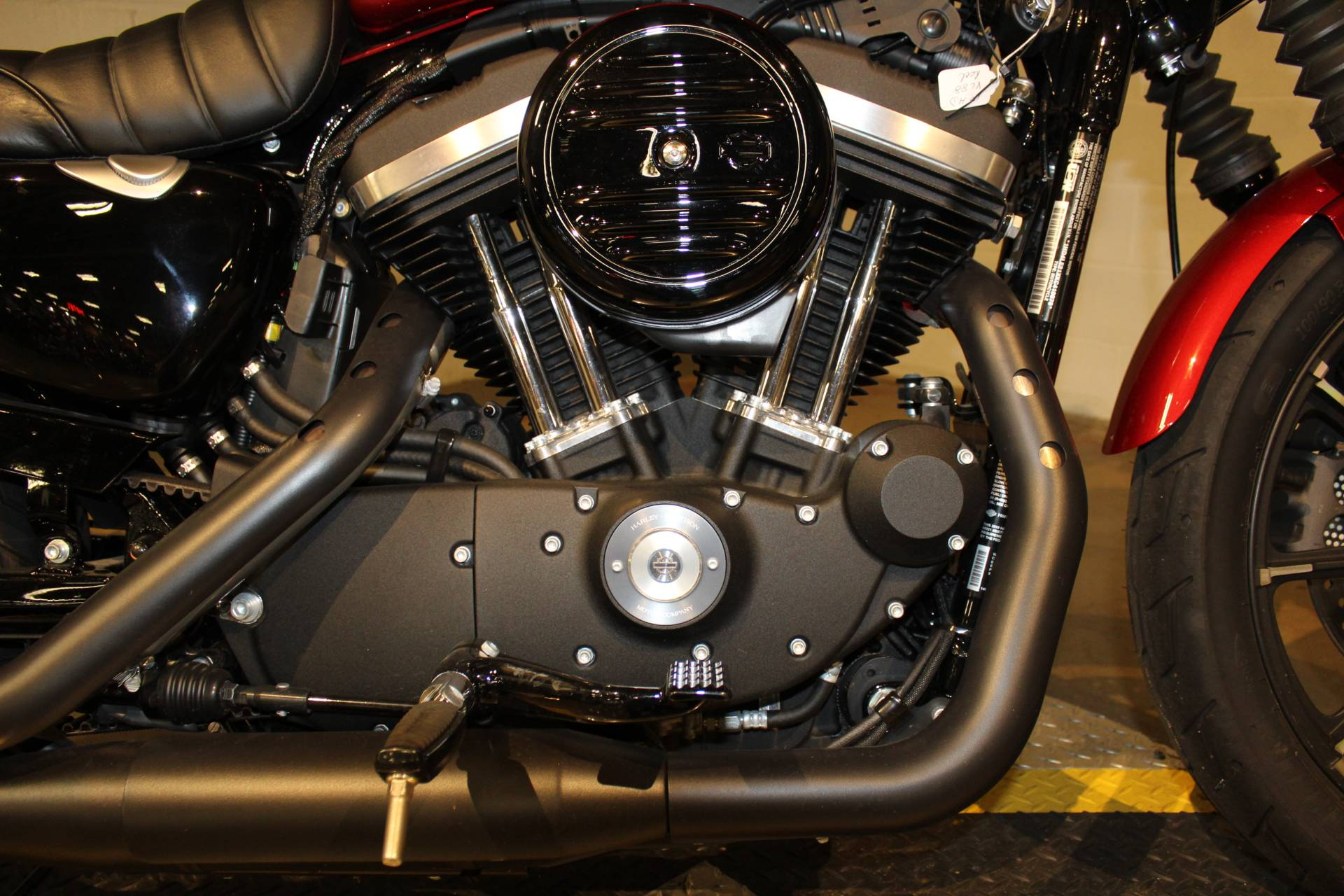 2019 Harley-Davidson Iron 883™ in New London, Connecticut - Photo 15