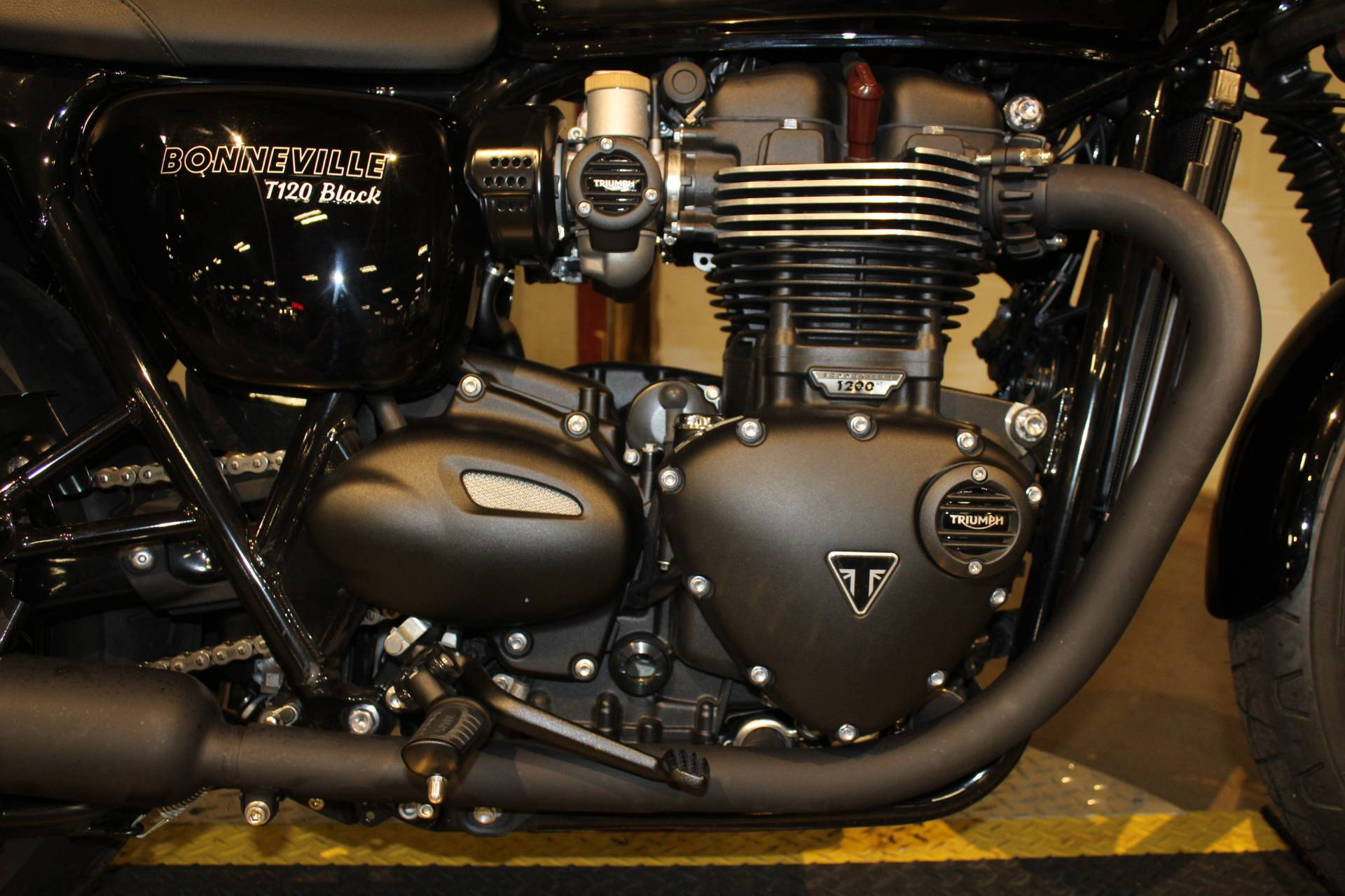 2018 Triumph Bonneville T120 in New London, Connecticut - Photo 14
