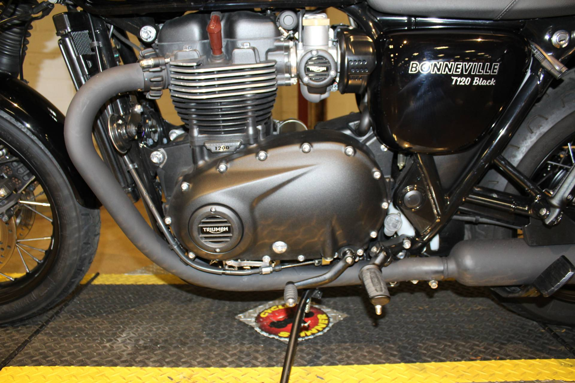 2018 Triumph Bonneville T120 in New London, Connecticut - Photo 15