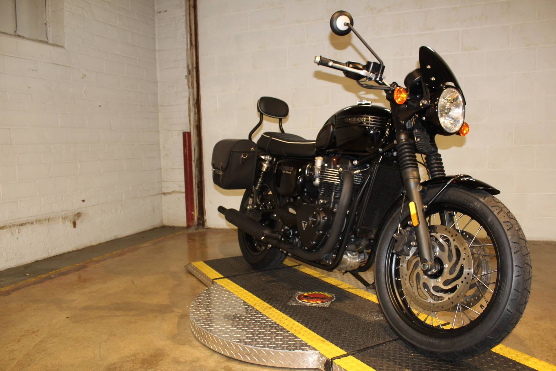 2018 Triumph Bonneville T120 in New London, Connecticut - Photo 8