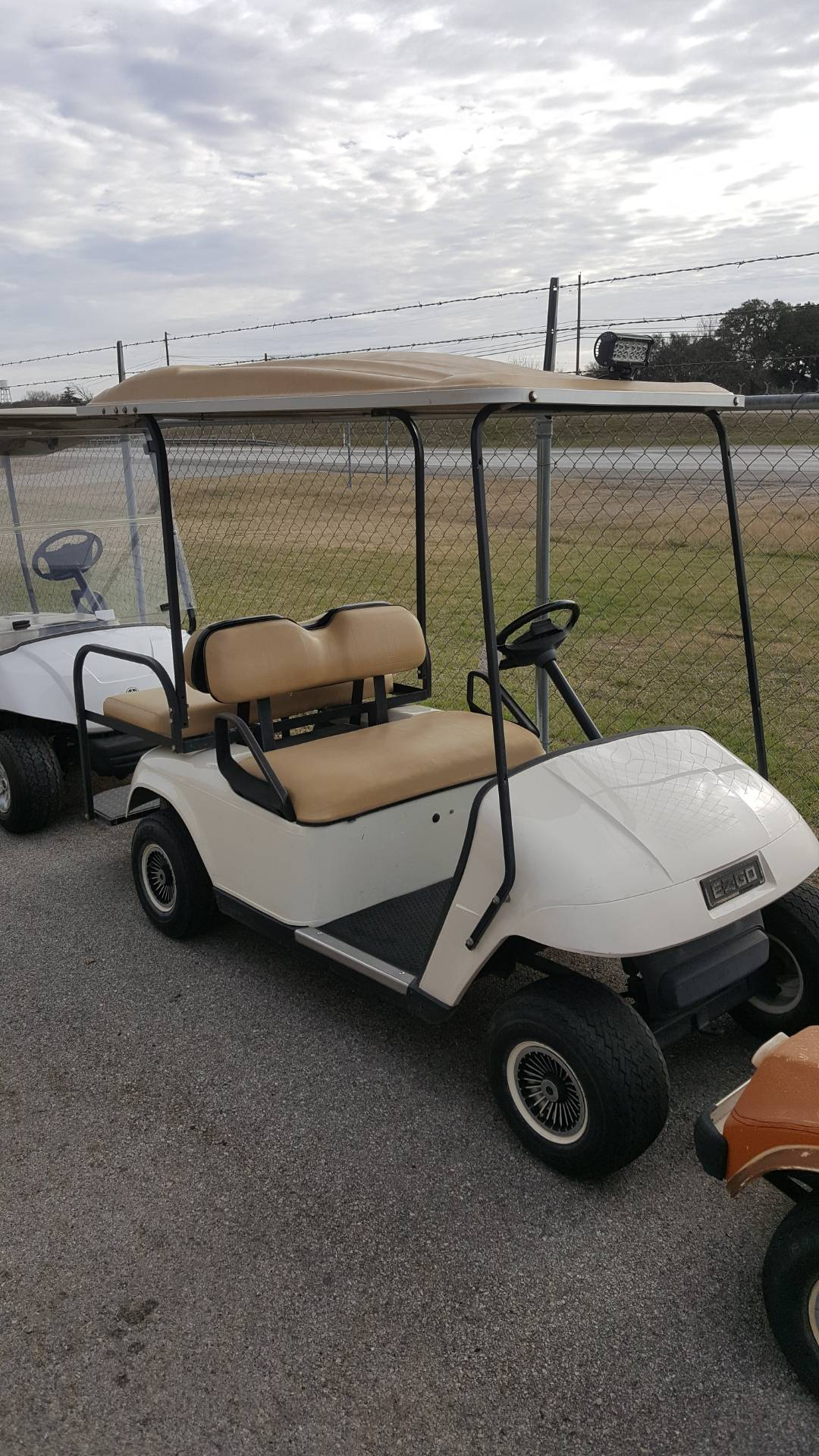 2004 E-Z-Go EZGO PDS 4 PASSENGER in Kerrville, Texas - Photo 2
