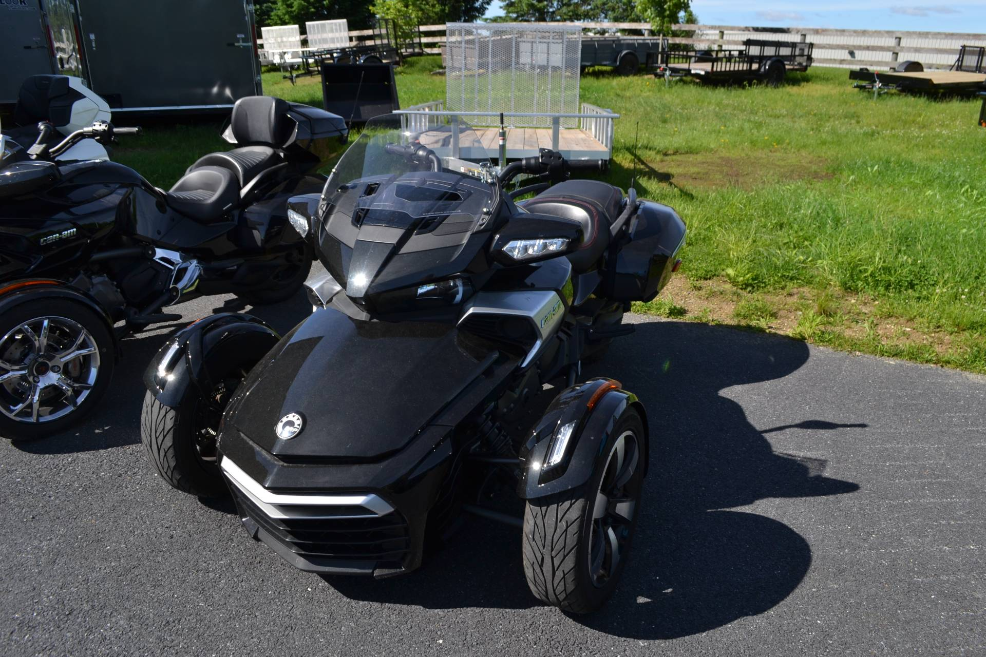 2016 Can-Am Spyder F3-T SE6 w/ Audio System in Grantville, Pennsylvania - Photo 4