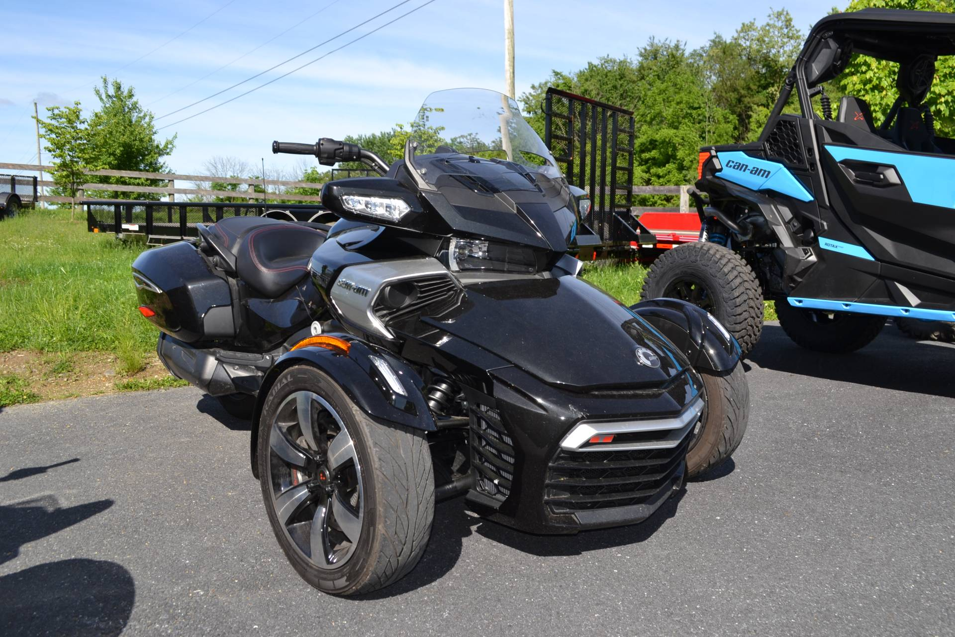 2016 Can-Am Spyder F3-T SE6 w/ Audio System in Grantville, Pennsylvania - Photo 6