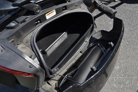 2016 Can-Am Spyder F3-T SE6 w/ Audio System in Grantville, Pennsylvania - Photo 9
