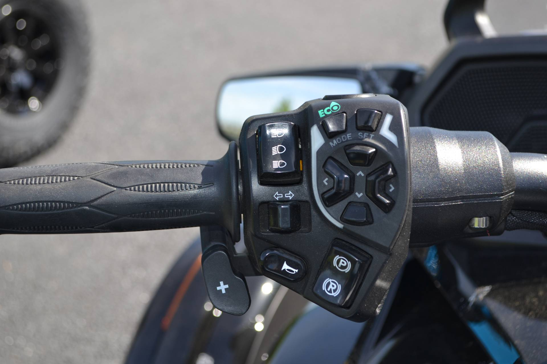 2016 Can-Am Spyder F3-T SE6 w/ Audio System in Grantville, Pennsylvania - Photo 17