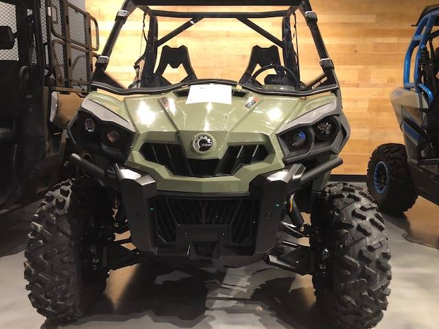2018 Can-Am Commander DPS 800R in Grantville, Pennsylvania