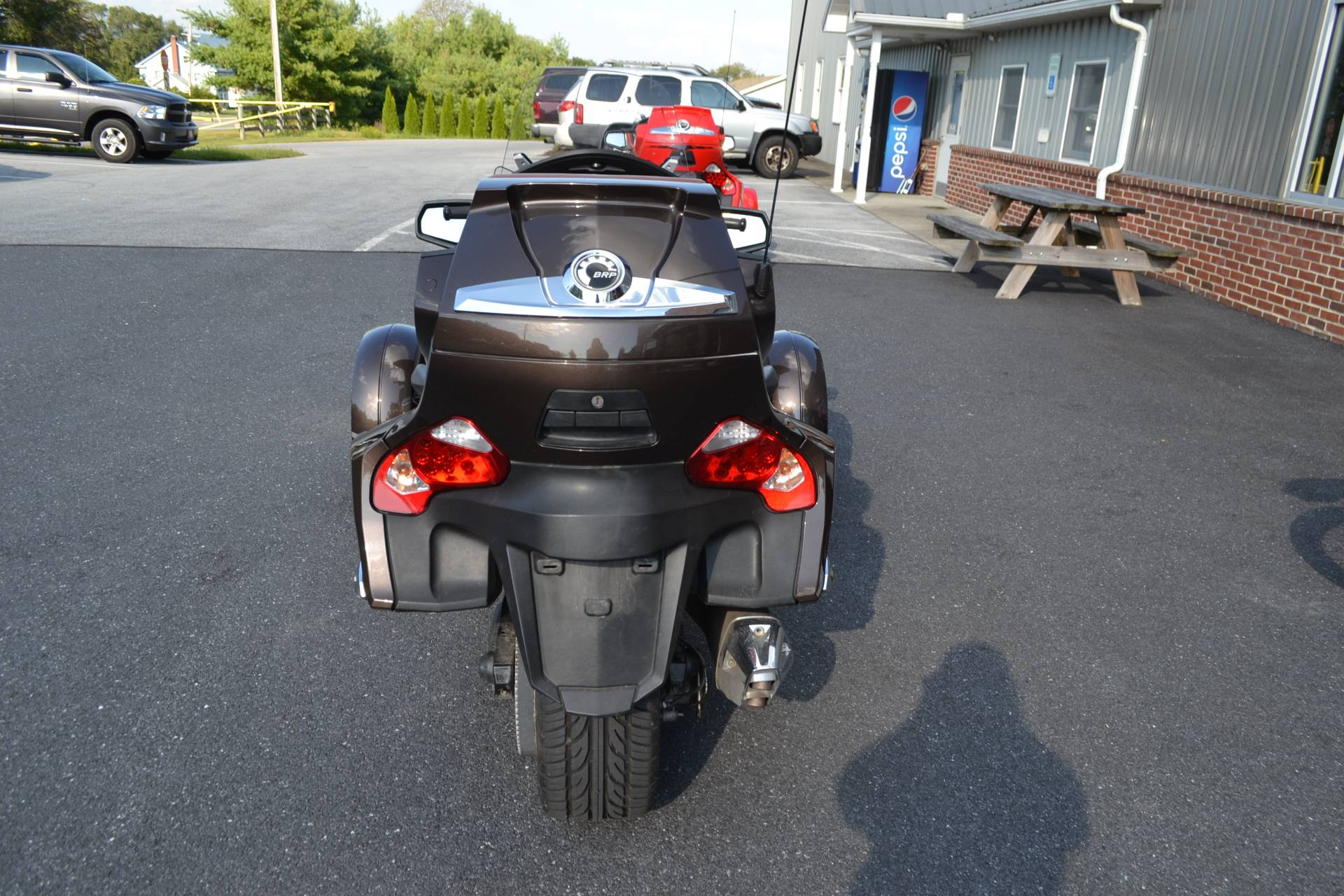 2012 Can-Am Spyder® RT Limited in Grantville, Pennsylvania - Photo 8