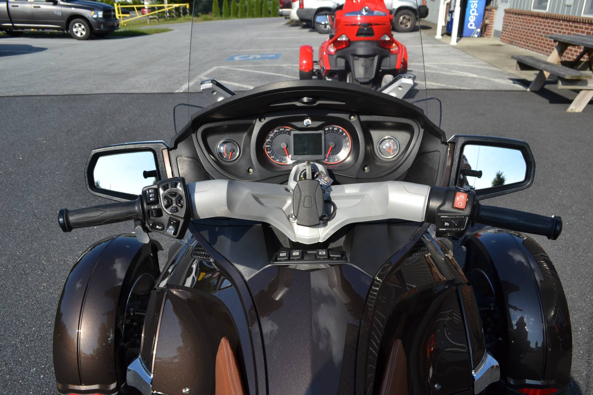 2012 Can-Am Spyder® RT Limited in Grantville, Pennsylvania - Photo 18