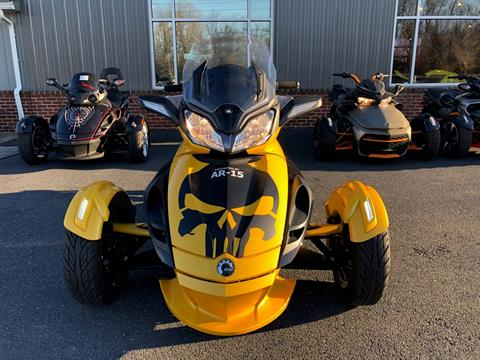 2013 Can-Am Spyder® ST-S SE5 in Grantville, Pennsylvania - Photo 2