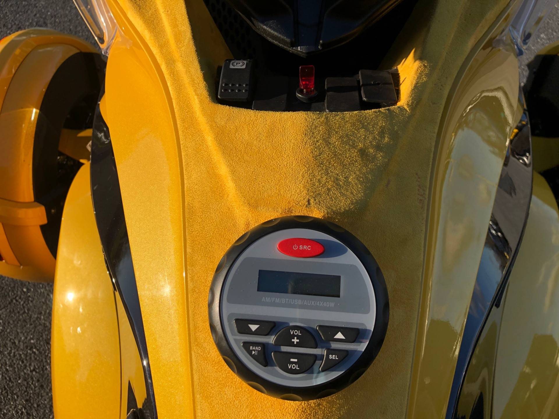 2013 Can-Am Spyder® ST-S SE5 in Grantville, Pennsylvania - Photo 6