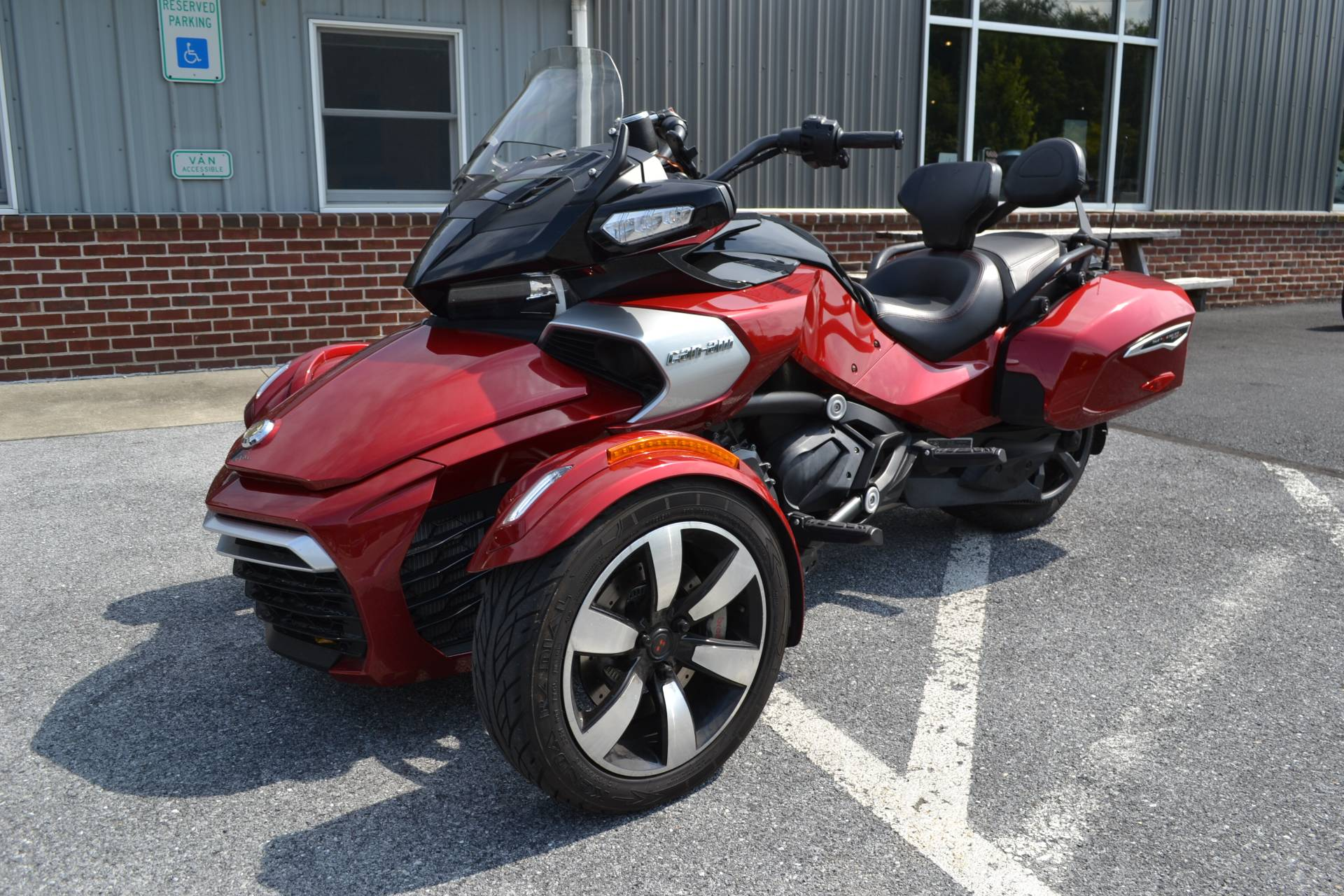 2016 Can-Am Spyder F3-T SE6 w/ Audio System in Grantville, Pennsylvania - Photo 1