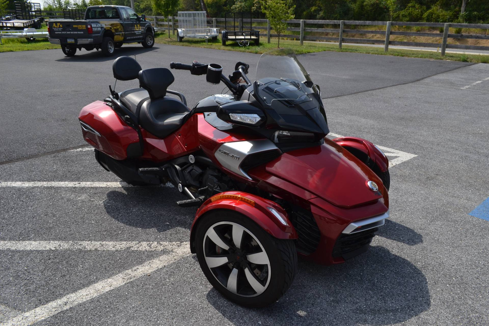 2016 Can-Am Spyder F3-T SE6 w/ Audio System in Grantville, Pennsylvania - Photo 2