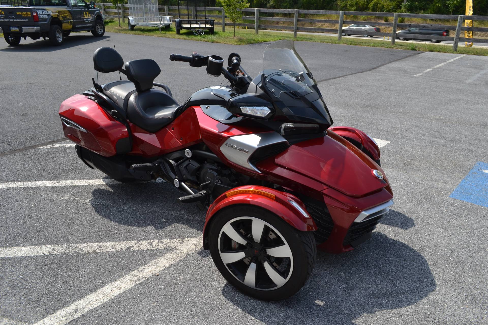 2016 Can-Am Spyder F3-T SE6 w/ Audio System in Grantville, Pennsylvania - Photo 11