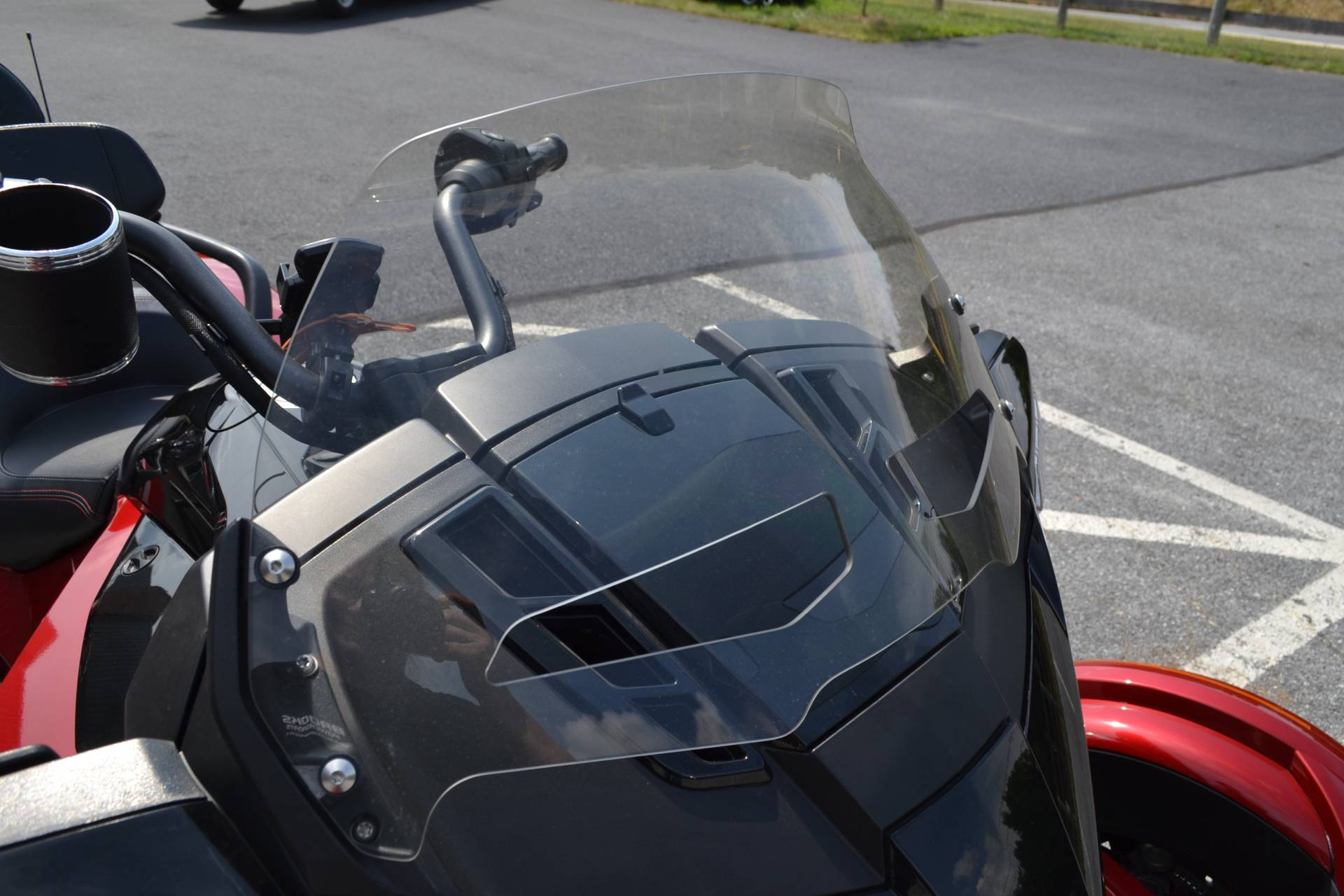 2016 Can-Am Spyder F3-T SE6 w/ Audio System in Grantville, Pennsylvania - Photo 12