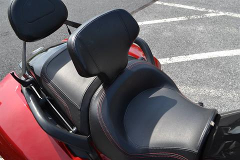 2016 Can-Am Spyder F3-T SE6 w/ Audio System in Grantville, Pennsylvania - Photo 14