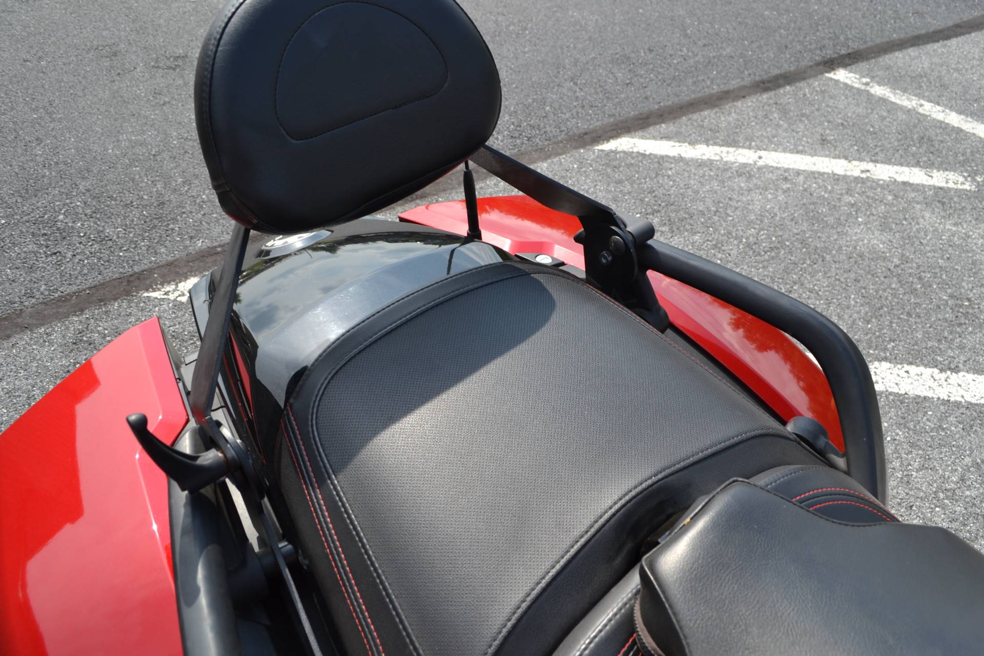 2016 Can-Am Spyder F3-T SE6 w/ Audio System in Grantville, Pennsylvania - Photo 15