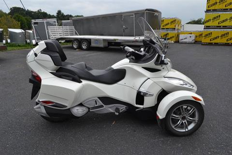 2011 Can-Am Spyder® RT Limited in Grantville, Pennsylvania - Photo 5