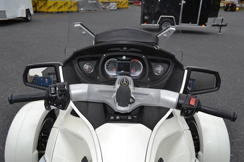 2011 Can-Am Spyder® RT Limited in Grantville, Pennsylvania - Photo 19
