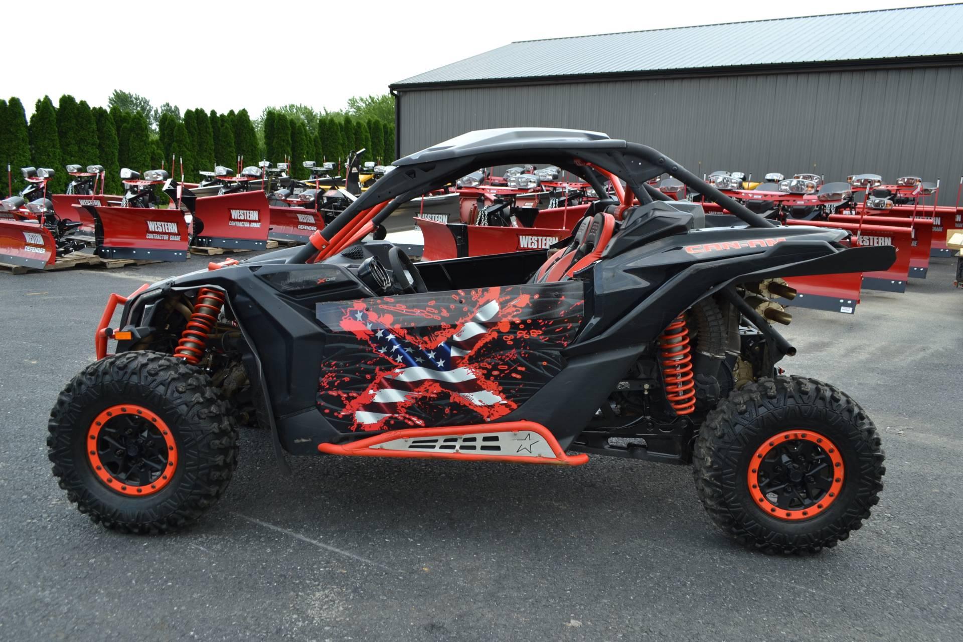 2017 Can-Am™ Maverick X3 X ds Turbo R 9