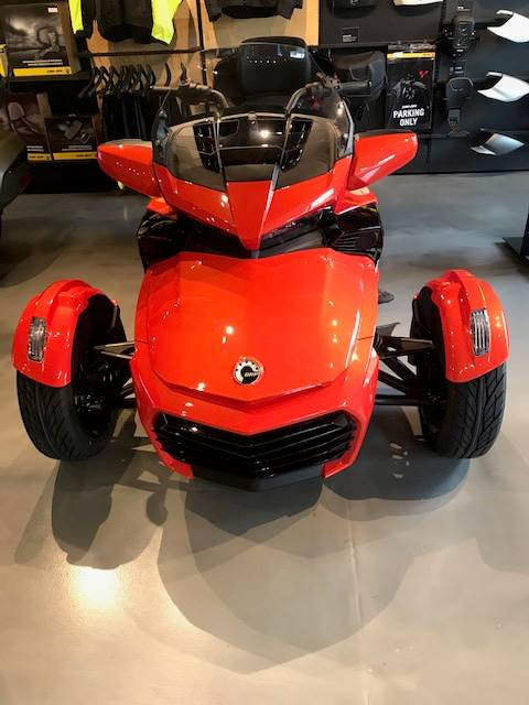 2020 Can-Am Spyder F3 Limited in Grantville, Pennsylvania - Photo 2