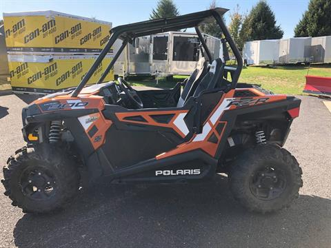 2015 Polaris RZR® 900 EPS in Grantville, Pennsylvania - Photo 2