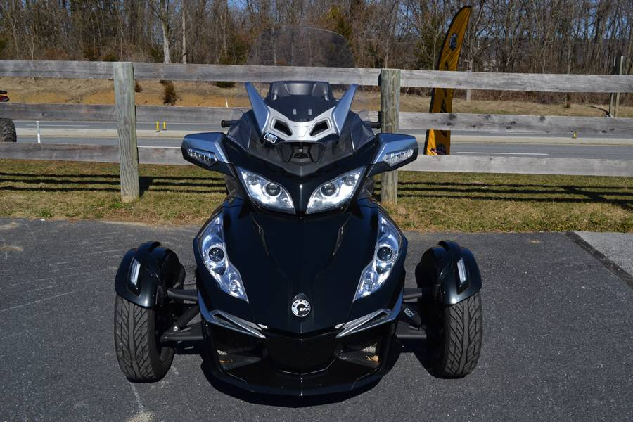 2014 Can-Am Spyder® RT-S SE6 in Grantville, Pennsylvania