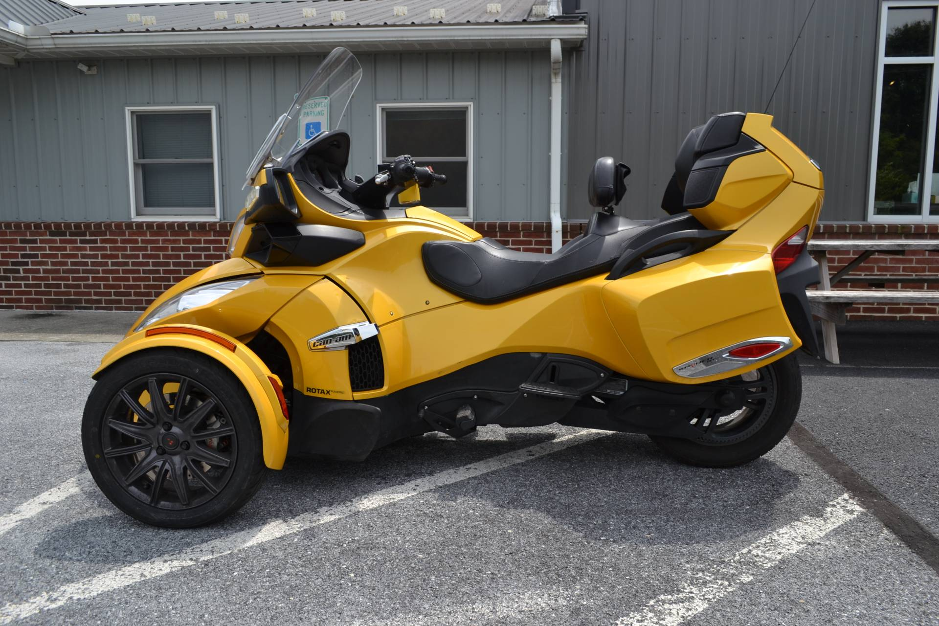 2013 Can-Am Spyder® RT-S SM5 in Grantville, Pennsylvania - Photo 3