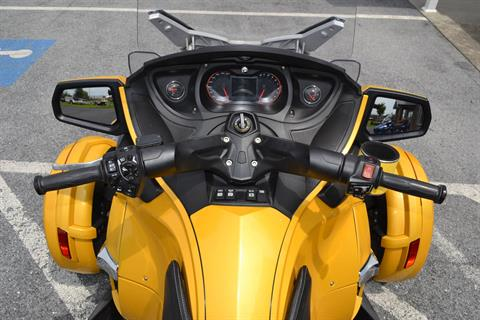 2013 Can-Am Spyder® RT-S SM5 in Grantville, Pennsylvania - Photo 19