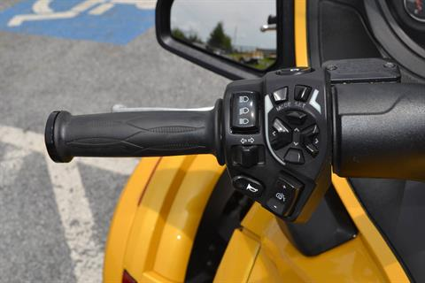 2013 Can-Am Spyder® RT-S SM5 in Grantville, Pennsylvania - Photo 20