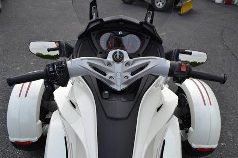 2014 Can-Am Spyder® ST SE5 in Grantville, Pennsylvania - Photo 4