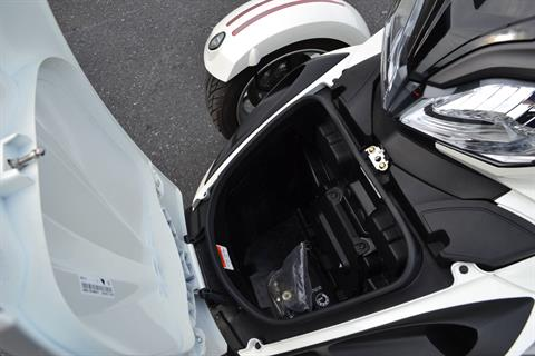2014 Can-Am Spyder® ST SE5 in Grantville, Pennsylvania - Photo 10
