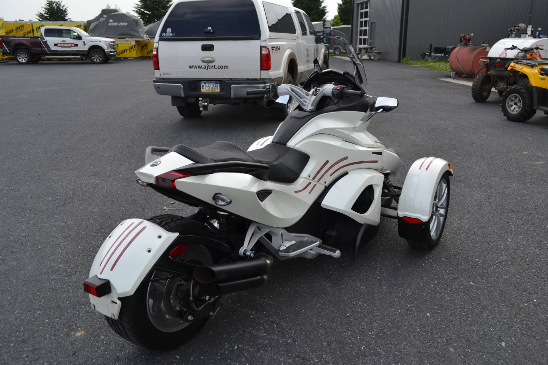 2014 Can-Am Spyder® ST SE5 in Grantville, Pennsylvania - Photo 15