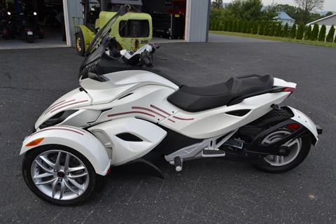 2014 Can-Am Spyder® ST SE5 in Grantville, Pennsylvania - Photo 2