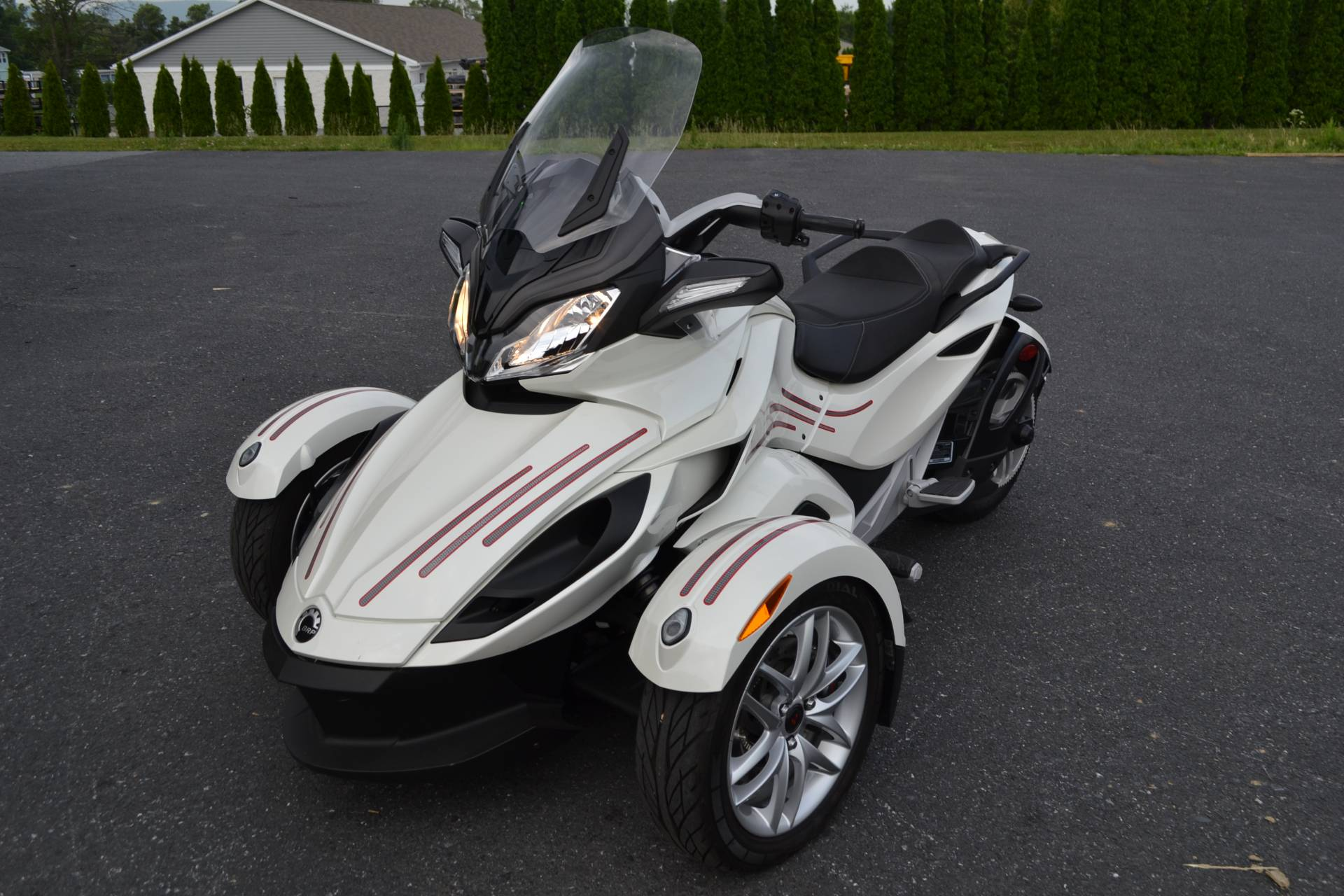 2014 Can-Am Spyder® ST SE5 in Grantville, Pennsylvania - Photo 18