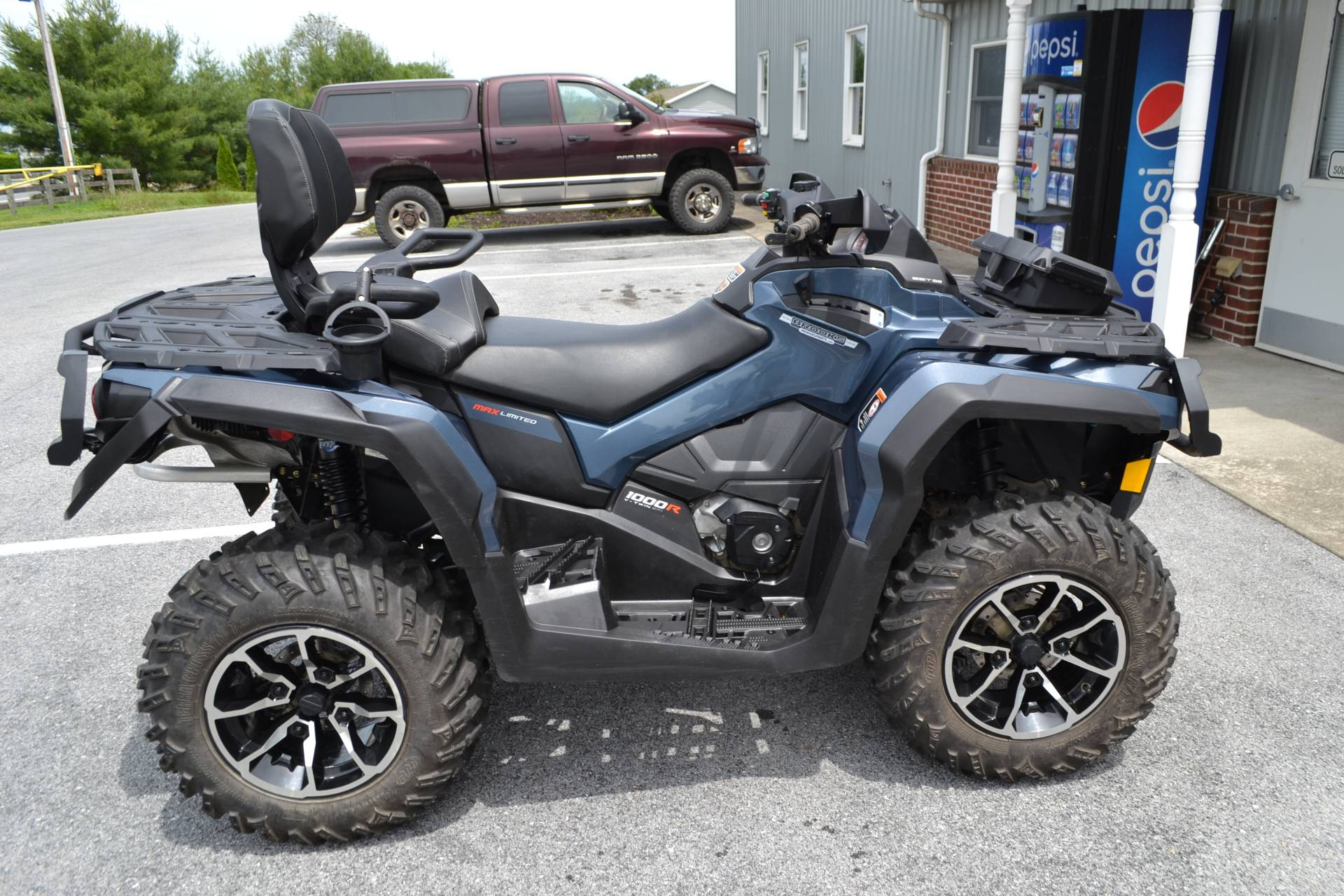 2017 Can-Am Outlander MAX Limited 1000 in Grantville, Pennsylvania - Photo 2
