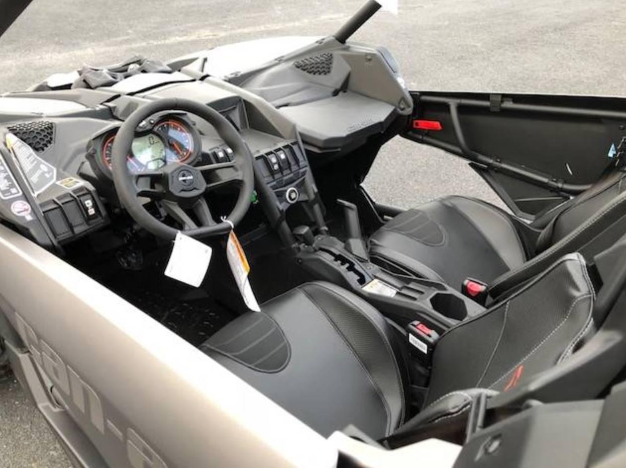 2018 Can-Am™ Maverick X3 X ds Turbo R 3