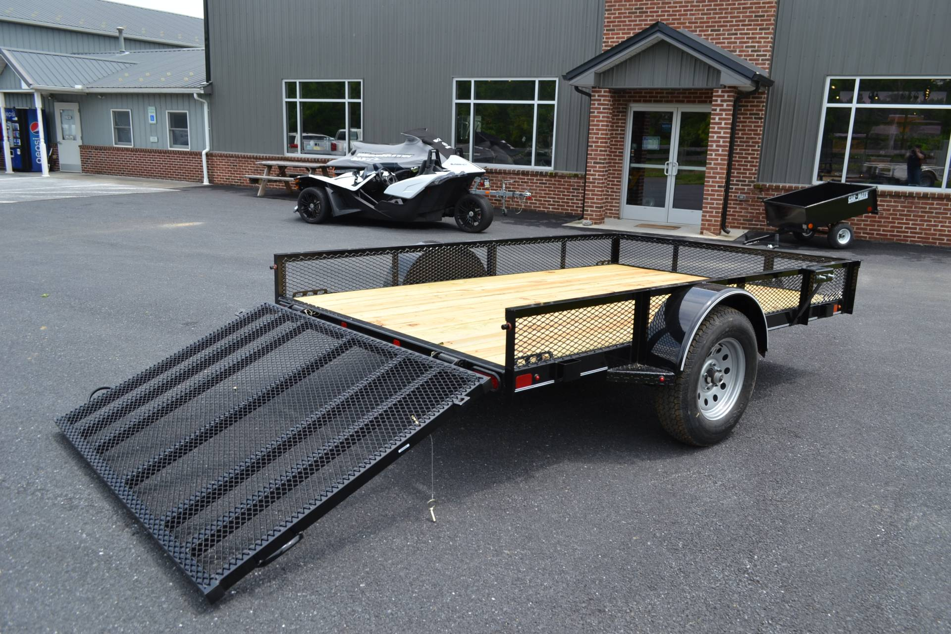 2019 Diamond C 10X77 GSA Utility Trailer Mesh in Harrisburg, Pennsylvania - Photo 10
