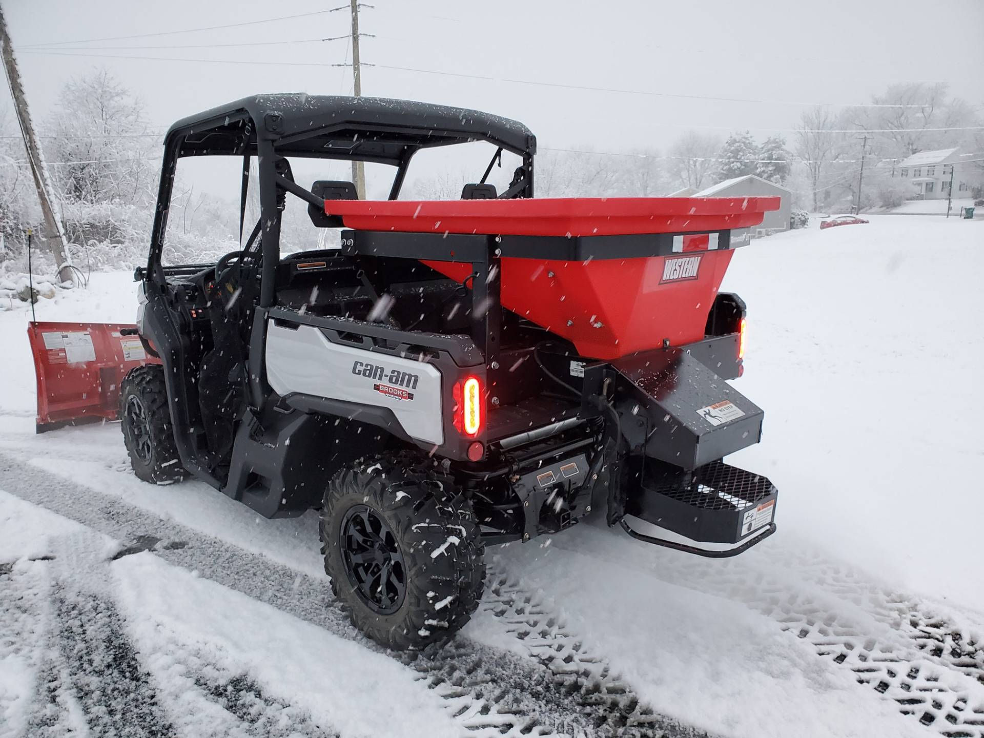 Western Snowplows 2019 Can-Am Defender XT HD8 W/ Impact Plow & Spreader in Harrisburg, Pennsylvania - Photo 4
