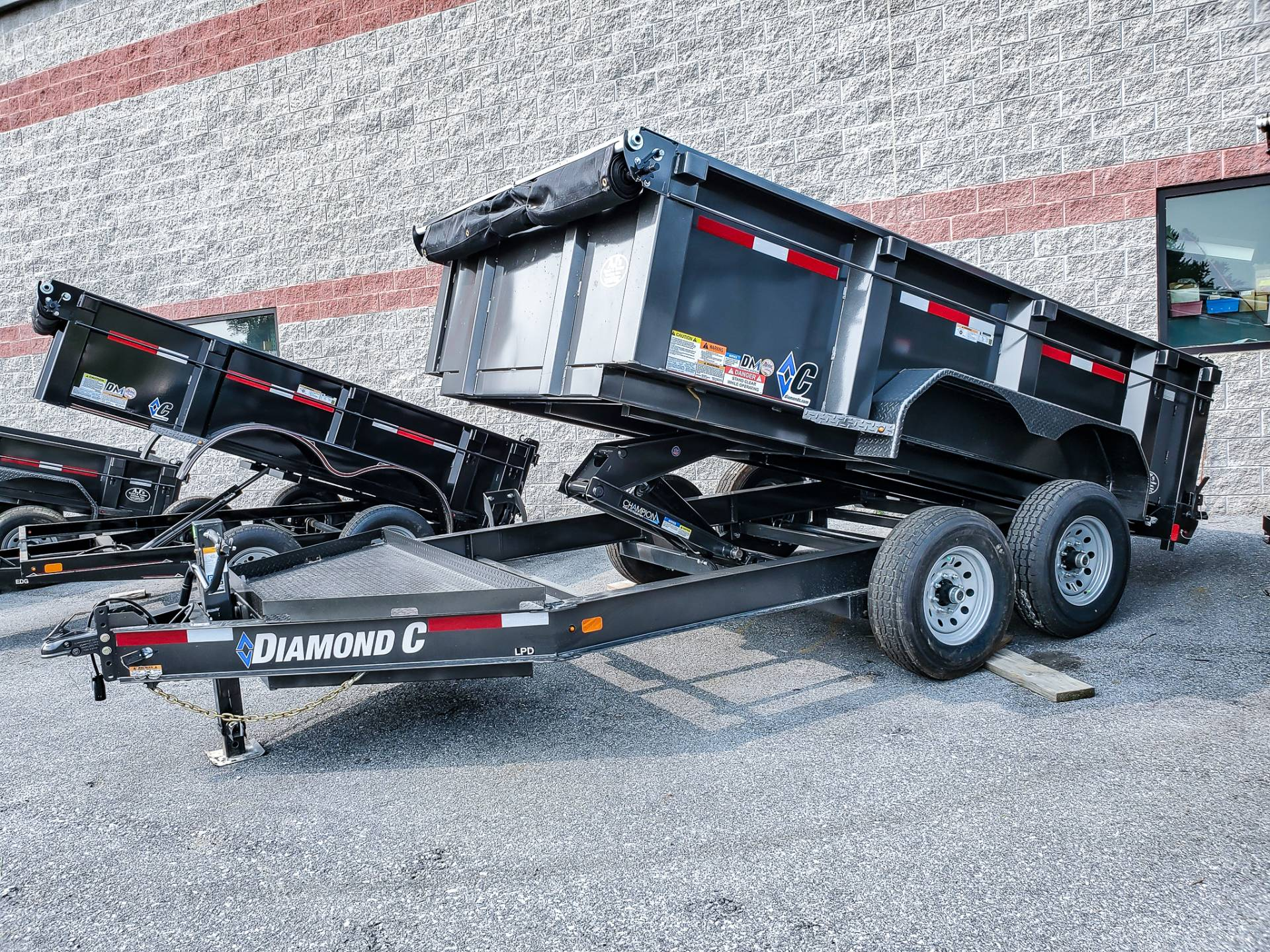 2021 Diamond C 12X82 LPD Dump Trailer 32HS HDV in Harrisburg, Pennsylvania - Photo 3
