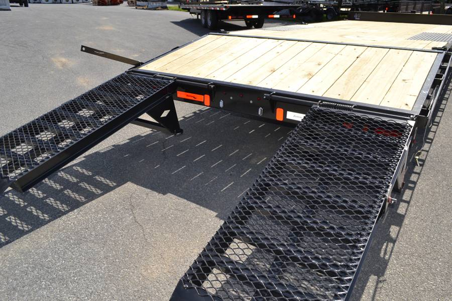 2019 Diamond C 22x102 DEC Equipment Trailer XWR in Harrisburg, Pennsylvania - Photo 3