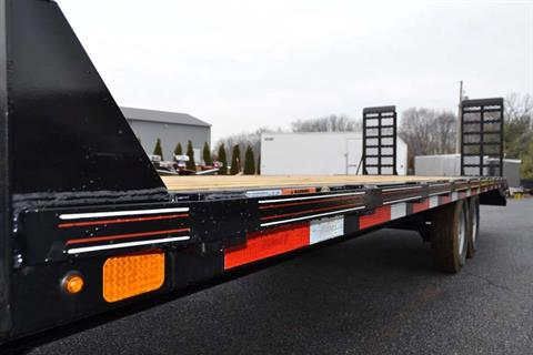 2018 Diamond C 24X102 13DEC Equipment Trailer XWR in Harrisburg, Pennsylvania - Photo 5