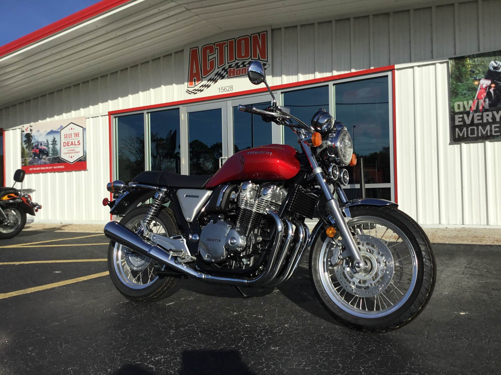 2017 Honda CB1100 EX in Hudson, Florida - Photo 1