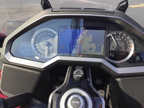 2018 Honda Gold Wing Tour Automatic DCT in Hudson, Florida - Photo 9