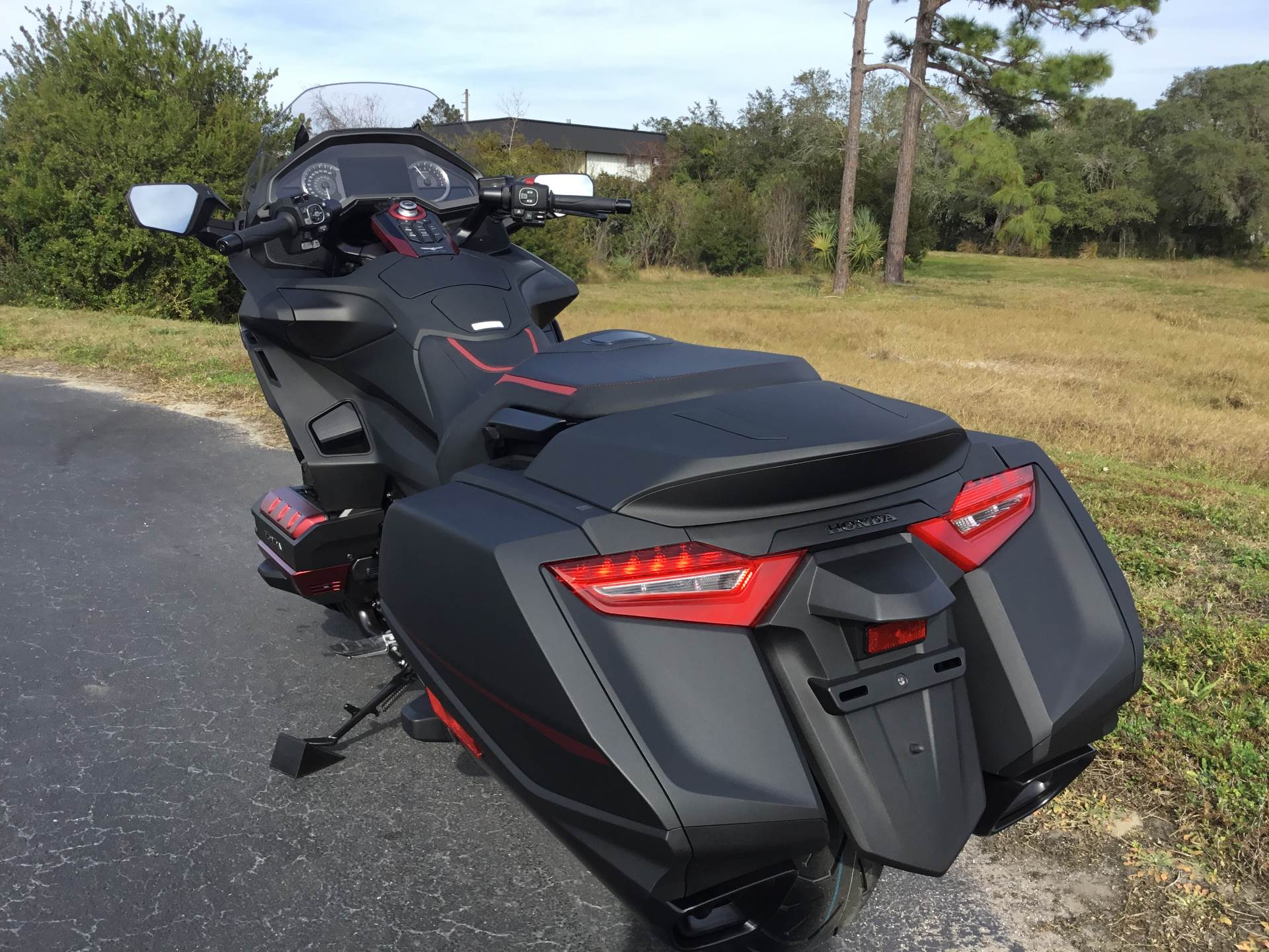 2020 Honda Gold Wing Automatic DCT in Hudson, Florida - Photo 11